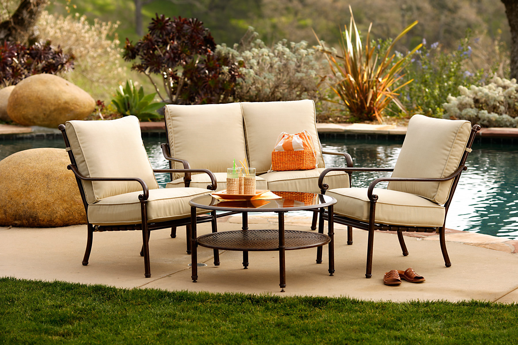 Outdoor-Patio-Furniture-Product
